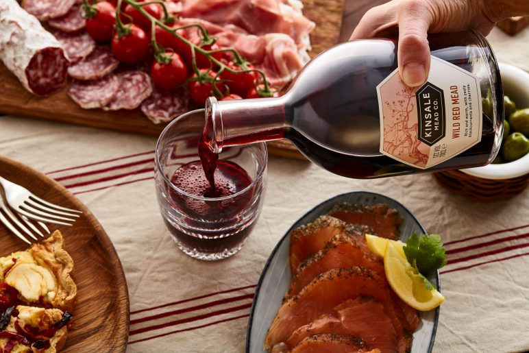Wild Red Mead pour food pairing salmon meats