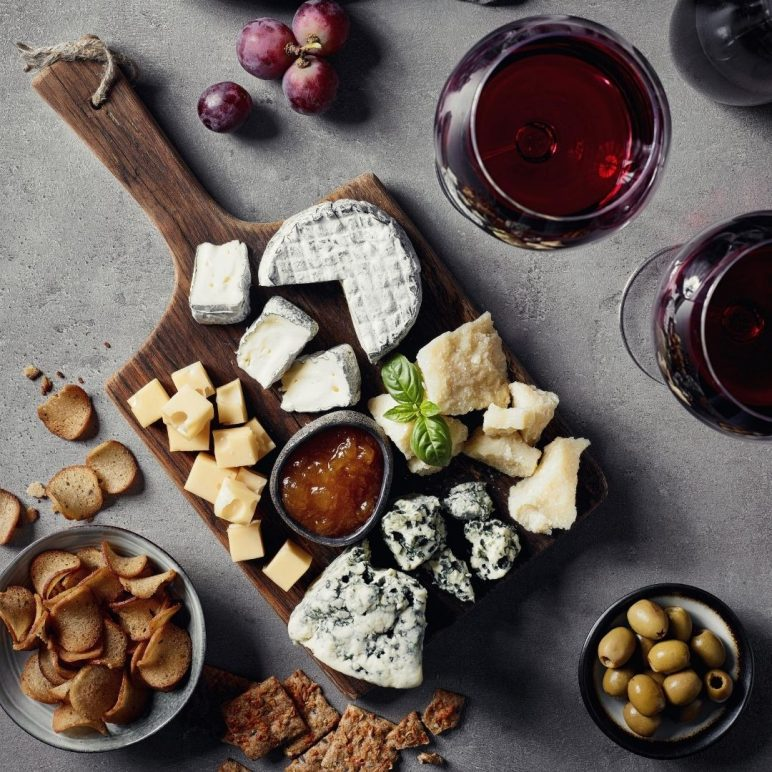 Mead and cheese board pairing